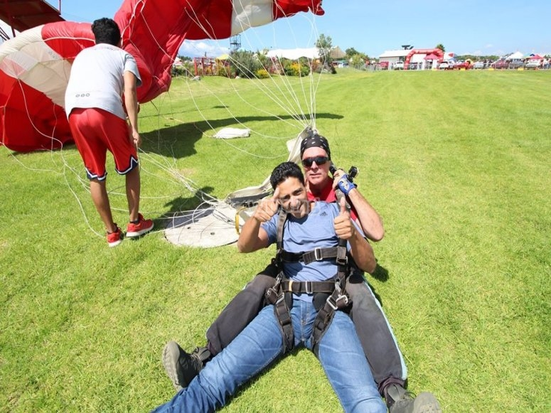 Aterrizando en paracaídas
