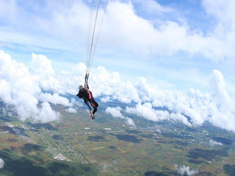 Opening the parachute in Cuautla