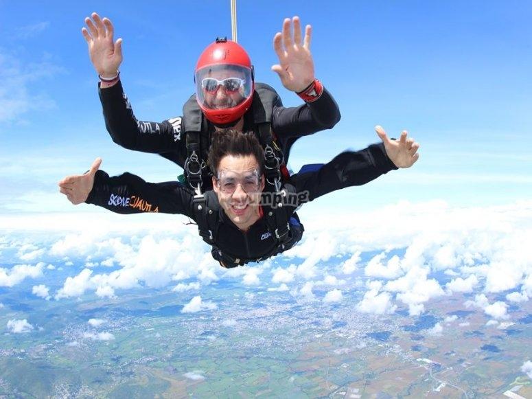 Tandem skydiving in Cuautla