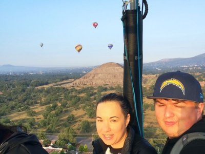 Private flight for couples in Teotihuacán