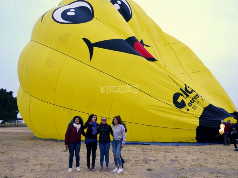 Girls with hot air balloon