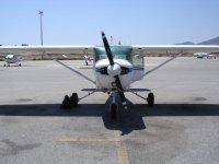 Cessna 152 en el aeropuerto
