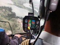 Recorrido arriba de un helicóptero