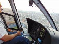Recorrido en helicóptero con un equipo de expertos