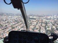 Recorre en helicóptero el Valle de México
