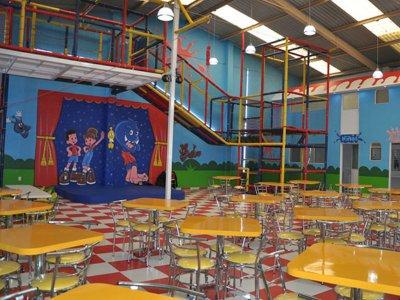 Salón infantil 100 pers y taquiza Lomas Estrella