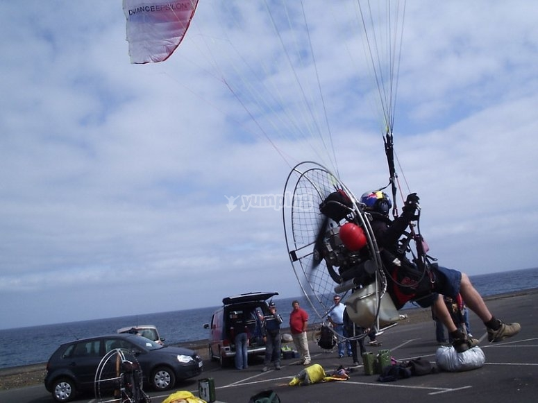 Fly in paramotor