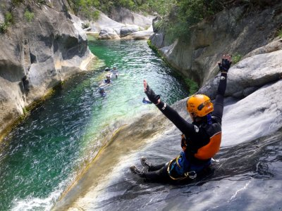 Canyoning in the Boyé in Huichapan for 6 hours