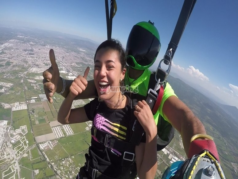Enjoying skydiving to the fullest