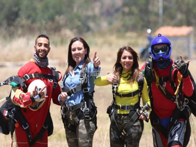 Skydiving for group of friends