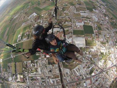 Paragliding for 2 and accommodation in Chipilo