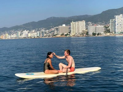 Paddle surf in Acapulco 2 adults and 1 free kid