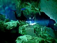 Inmersión de buceo con certificado en cenote Tulum
