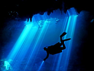 Diving with Advanced certificate in cenote de Tulum