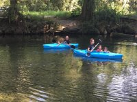 Remando por el río