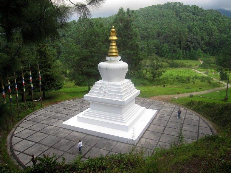 Stupa de la Paz in Valle de Bravo