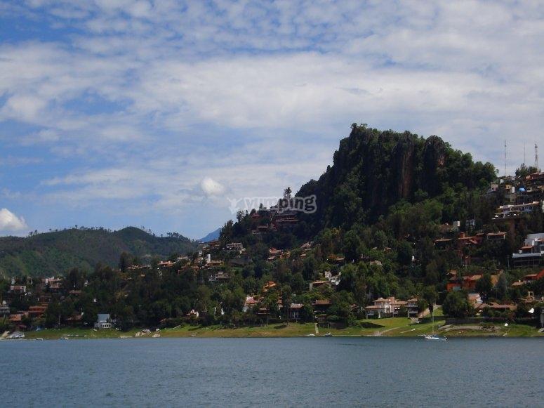 Vistas al lago de Valle de Bravo