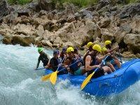 Practicando rafting en la Huasteca Potosina