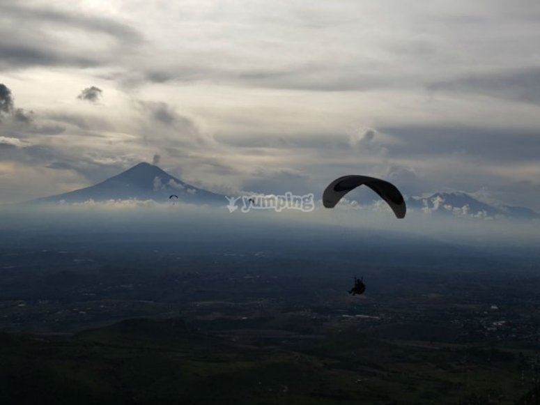 Volcano and paragliding in Puebla