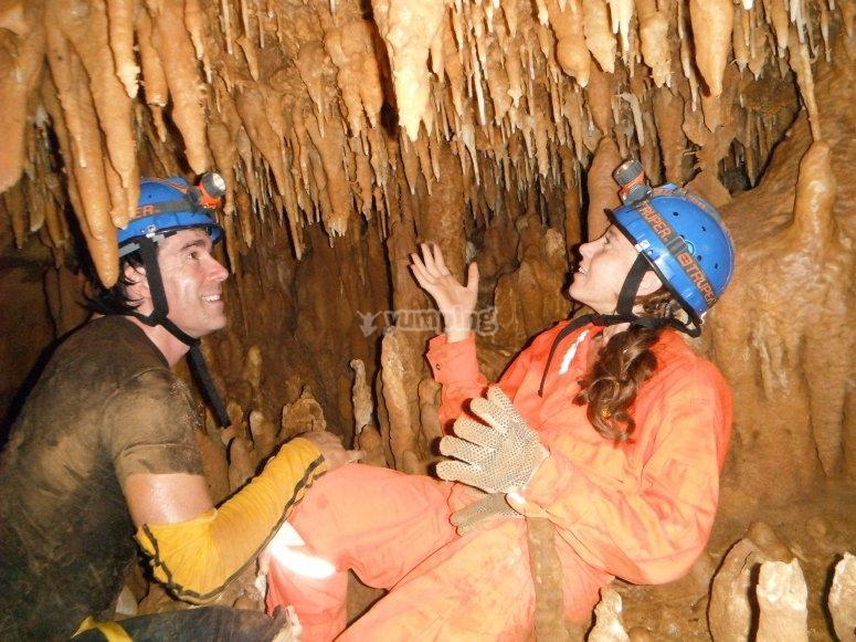 Explorando grutas con toda la actitud