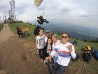 Tandem paragliding flight for groups in Fortín
