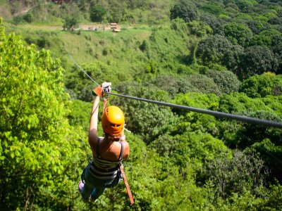 Zip-line circuit in Jalcomulco 2 hours