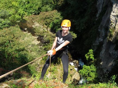 Rappelling down to 85 meters in Xico 4 hours