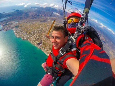 Tandem jump over San Carlos Bay 10,000 feet