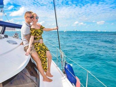9-hour catamaran tour in Cancun 4 hours