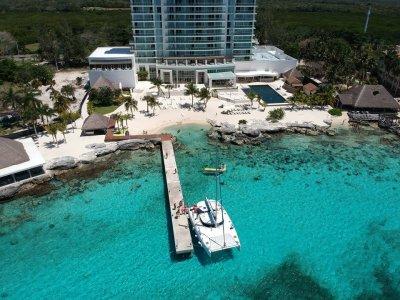 37-foot catamaran ride in Cancun 4 hours