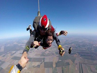 Tandem jump & photos with 2 cameras General Terán