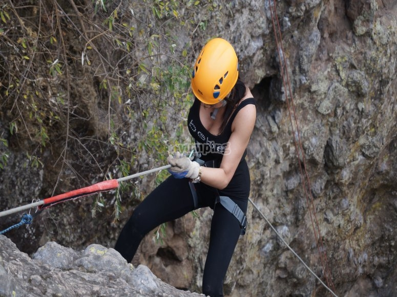 Descent with ropes