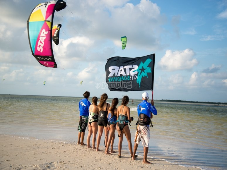 Watching and learning kitesurfing