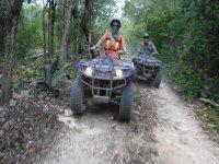 Tour en ATV a cenote maya en Playa del Carmen