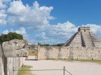 Tour a Chichen Itzá con almuerzo y nado en cenote