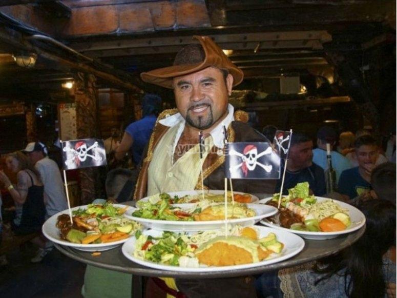 Deliciosa cena pirata