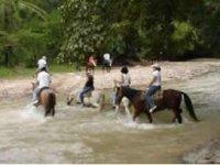 Cabalgando en caballo