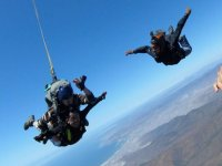 Tandem jump with camera