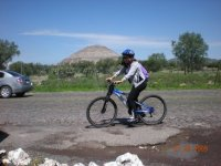 In Teotihuacan pedaling