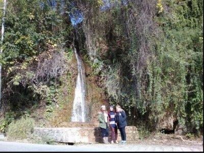 Tour a Cascada Cola de Caballo y Grutas de García