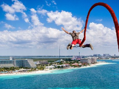 Bungee jump in Cancun 25 meters high
