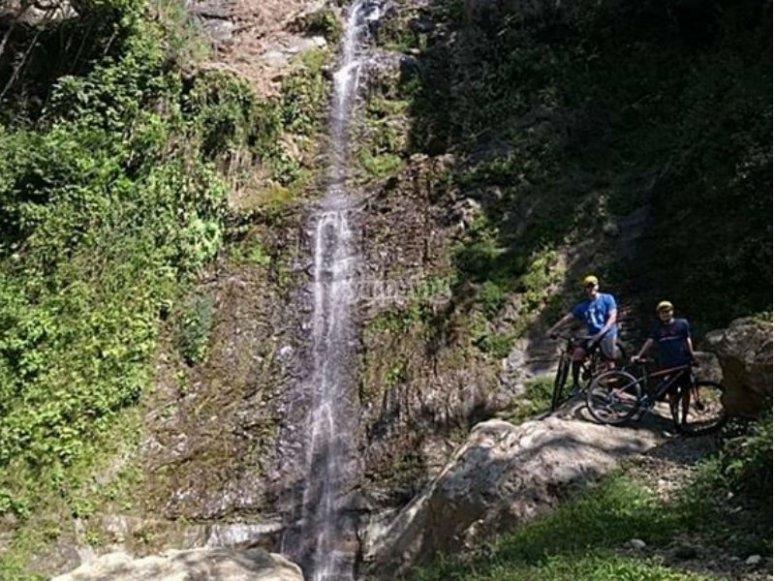 Llegando a la cascada