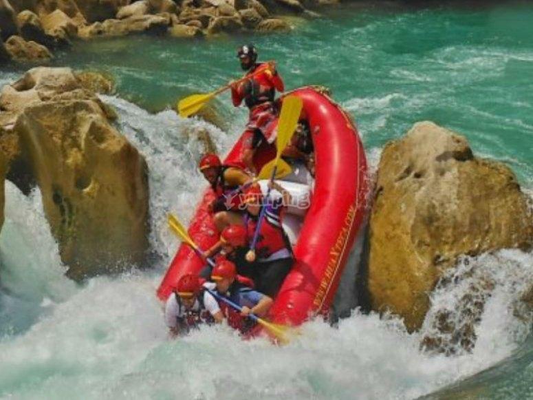 Rafting with friends in Huasteca