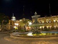 San Luis de noche