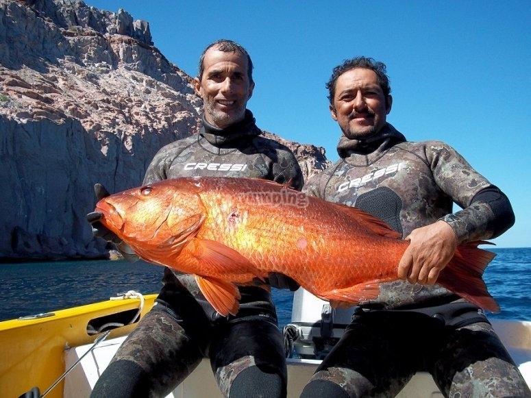Pesca con amigos en La Paz