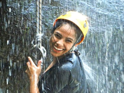 Rappelling in Tixhiñu waterfalls with instructor 8 h