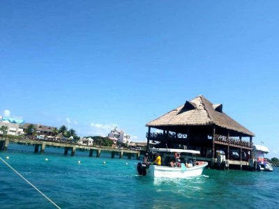 Isla Mujeres tour with snorkeling for kids 6 hours