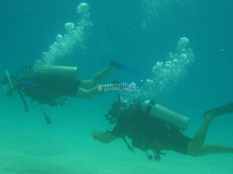Obtén tu certificación Advanced Open Water Diver