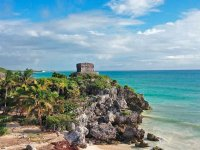 Tulum and its spectacular views of the Caribbean Sea