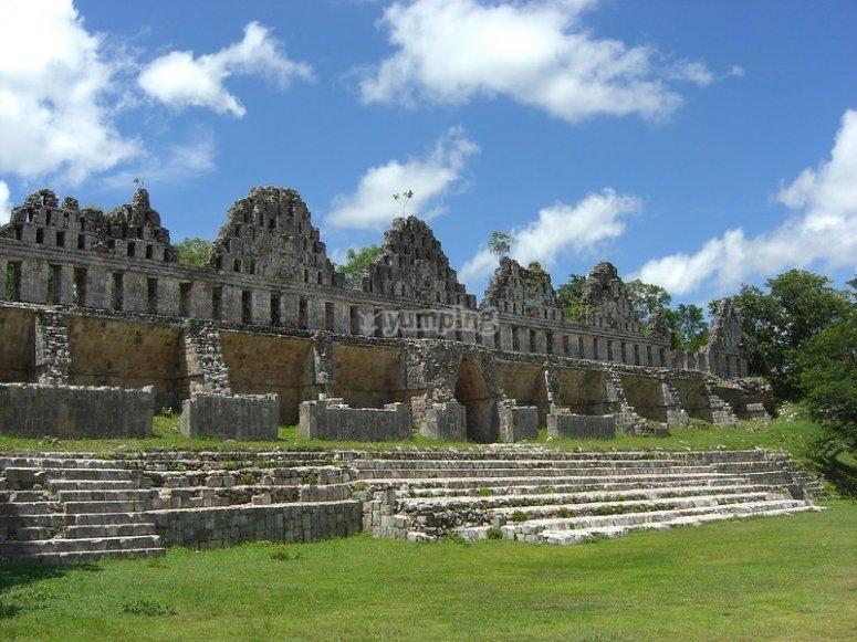 Visita guiada a Uxmal y sus espectaculares edificaciones